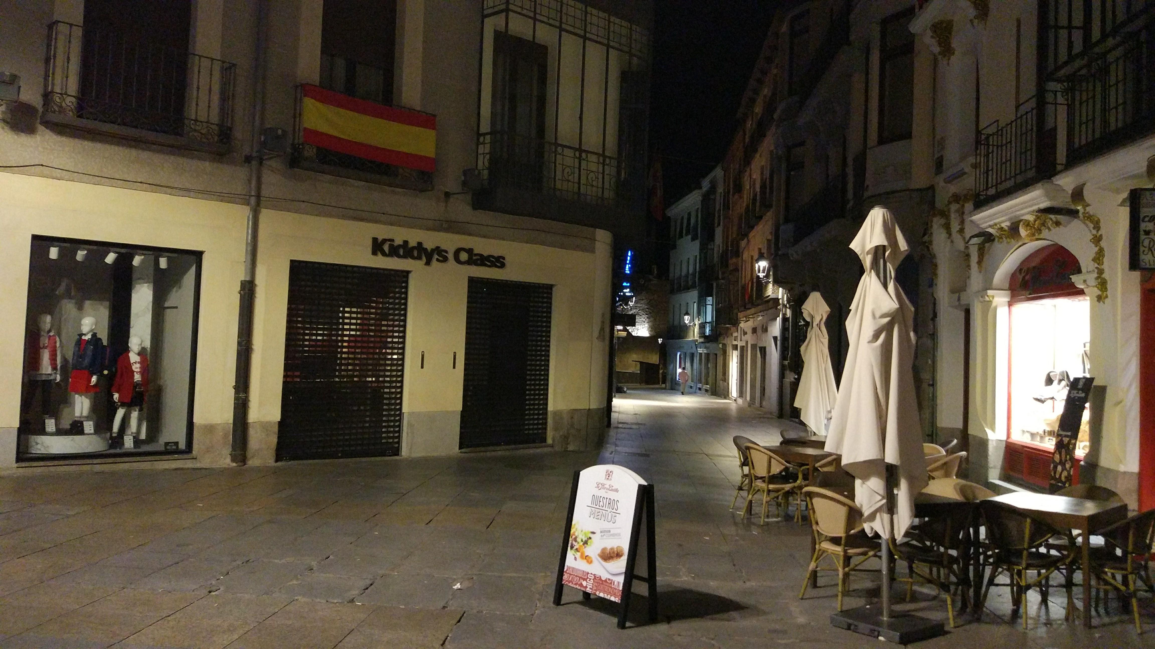 Calle Alemania de Ávila en la noche